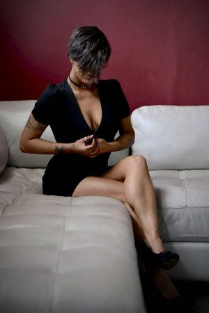 Gwendy live escort & thai massage