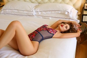 Vivienne thai massage and escort girl