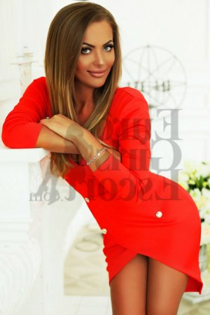 Marie-nadia call girl & thai massage