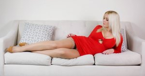 Fadime happy ending massage in Alice and live escort