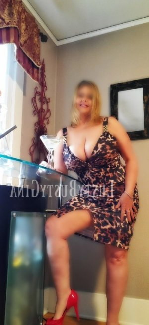 Elsi escort in Chester & erotic massage